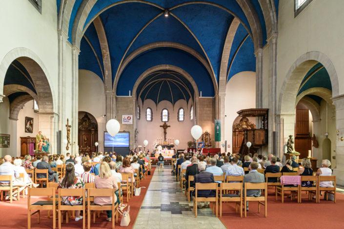 Eerste Communie Vrije Basisschool Sint-Petrus.